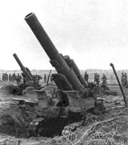 Raskasta tykistöä 203mm m1931, 1944 Valko-Venäjän rintamalla.
