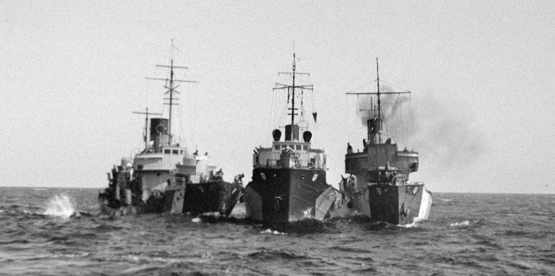 Saksalaisia suv-hävittäjiä. SA-kuva 104172