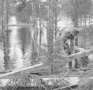 1944 Lemettiin puolustuslinjalle tehty pato.