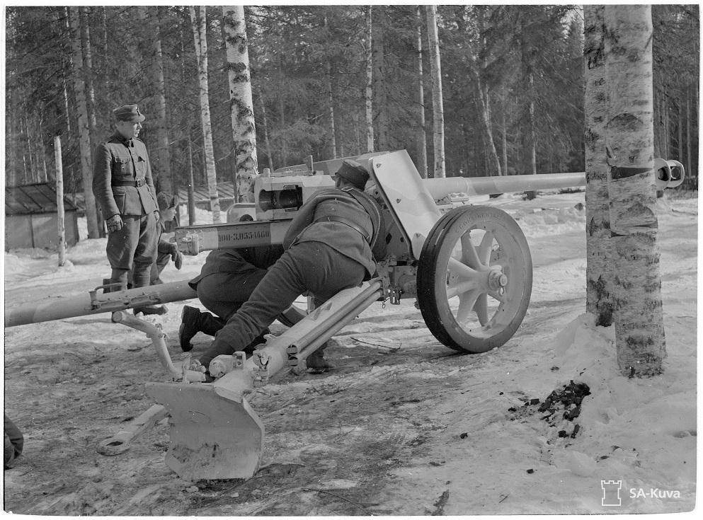 34.Tyk.K saanut uudet 75 m/m panssaritorjuntatykit 75K/40.