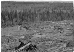 """Etumaastokuvia Pitkärannasta. Laatokan rannalla oleva linnake """"""""Pikku-Haukku"""""""". Pitkärannan lohko 1944.09.14 SA-kuva 163989"""