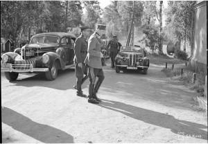Sotamarsalkka ja kenr. Heinrichs. Niittylahden kansanopisto 1941.07.18 SA-kuva 25815