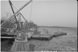 Hv. estekivien, vesitiekuljetuksen purkaus. SA-kuva 139539