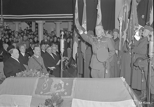 Kenraali Erfurth. OKH yhteysupseeri Päämajassa. Päätehtävä toimia Hitlerin ja Mannerheimin yhteysupseerina. SA147088