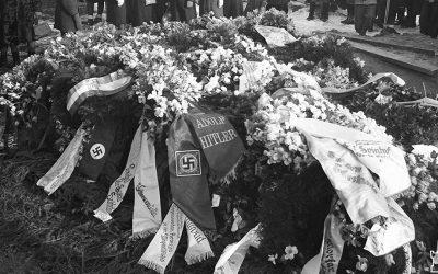 Mannerheim Svinhufvudin hautajaisissa