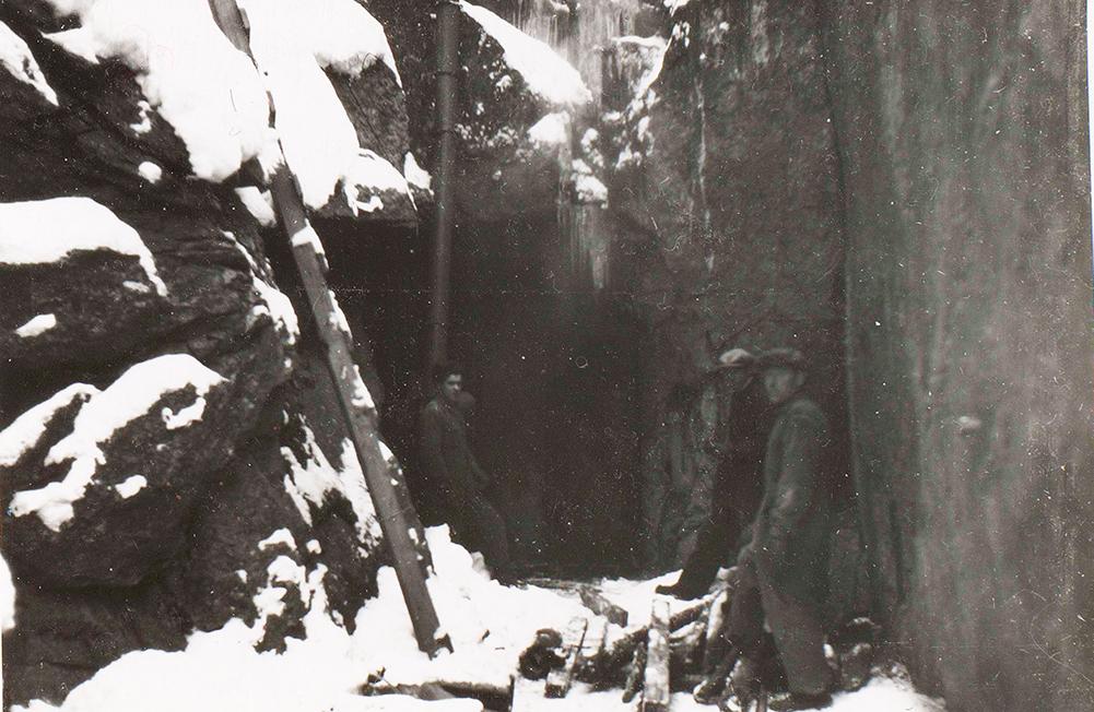 Luolan louhintaa Virolahdella talvella 1940-1941